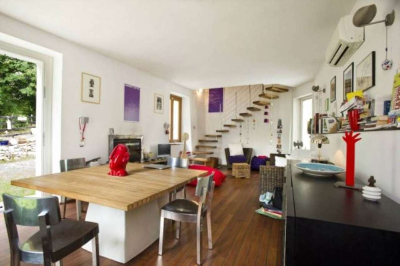 Villa in vendita a Varese, 3 locali, prezzo € 270.000 | Cambio Casa.it