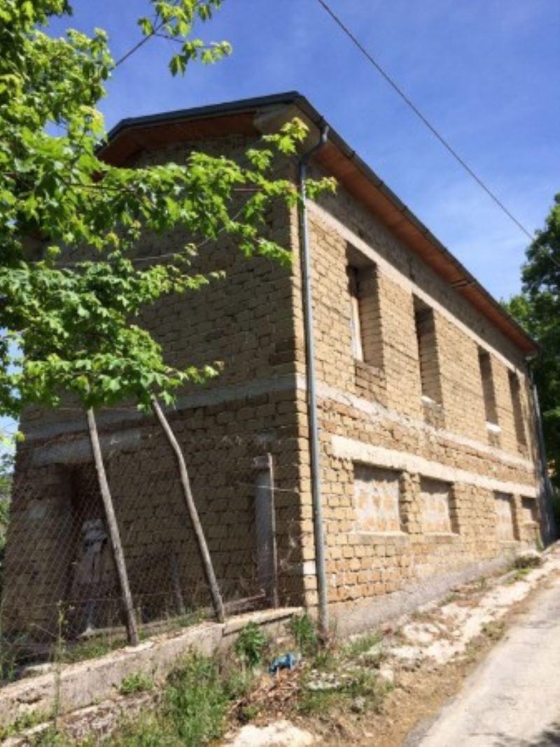 Rustico / Casale in vendita a Petrella Salto, 9999 locali, prezzo € 99.000 | CambioCasa.it