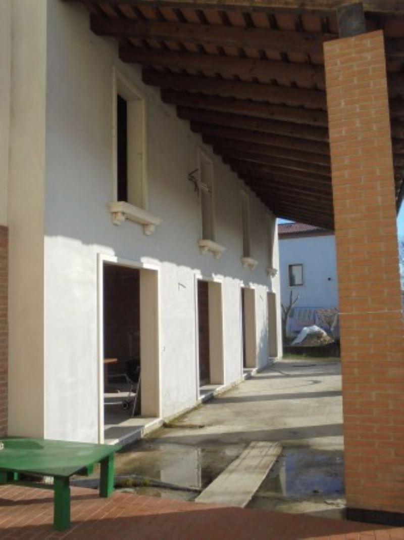 Villa in vendita a Castegnero, 4 locali, prezzo € 99.000 | Cambio Casa.it