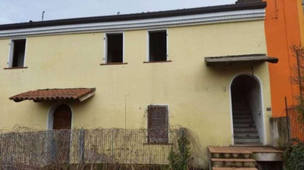 Soluzione Indipendente in vendita a Isola Rizza, 2 locali, prezzo € 25.500   Cambio Casa.it