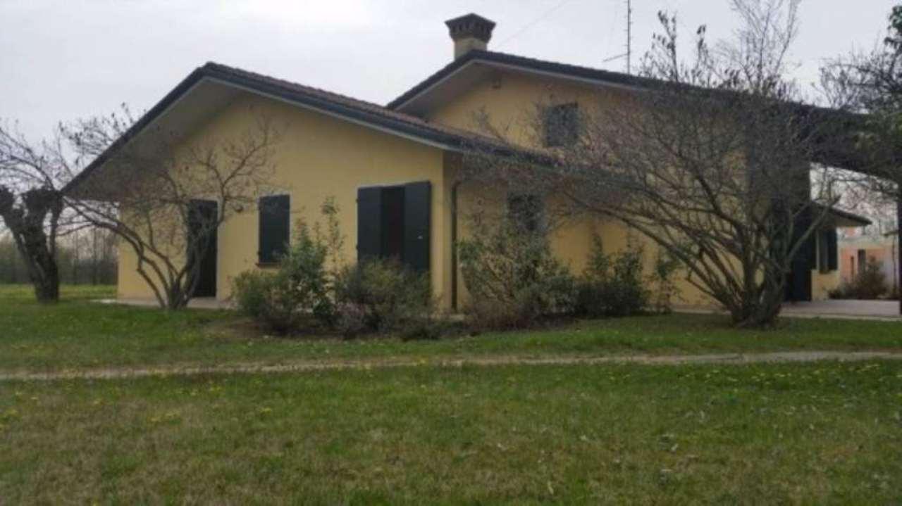 Villa in Vendita a Santa Giustina in Colle