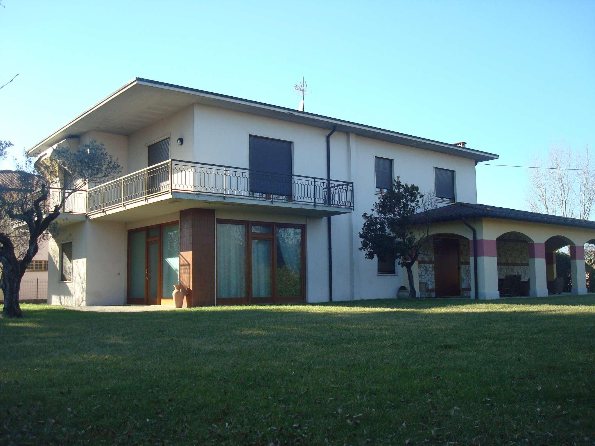 Villa in vendita a Isola Vicentina, 6 locali, prezzo € 280.000 | Cambio Casa.it
