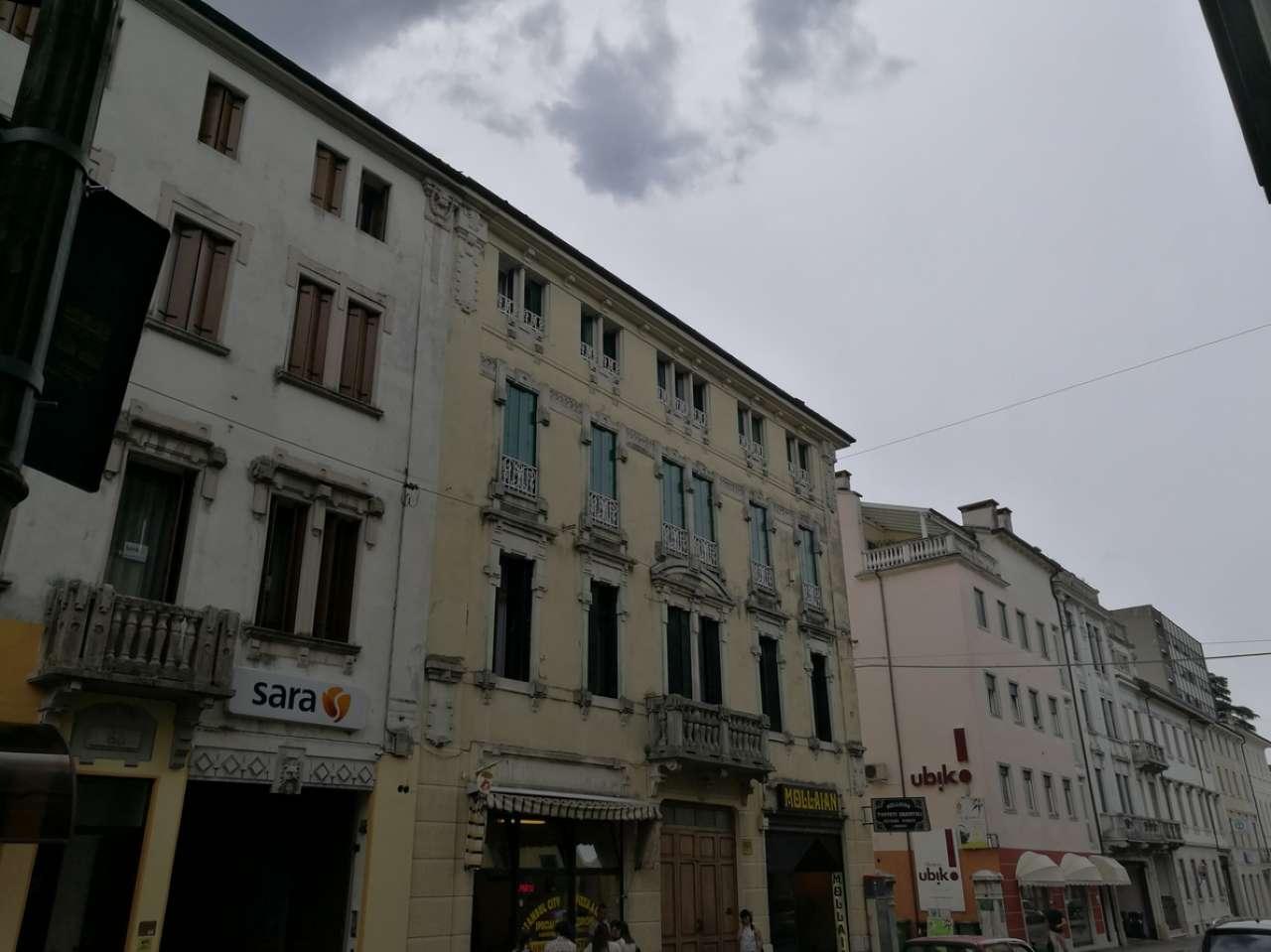 Appartamento in vendita a Schio, 4 locali, prezzo € 149.250 | CambioCasa.it