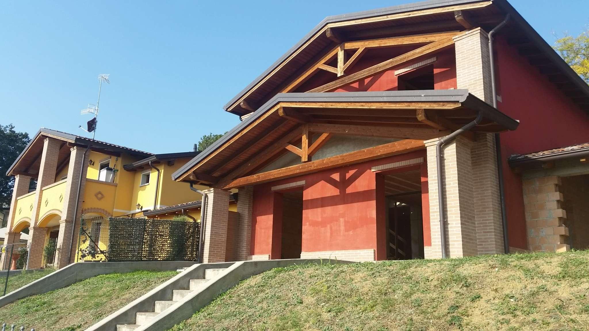 Villa in vendita a Medesano, 4 locali, prezzo € 252.900 | CambioCasa.it