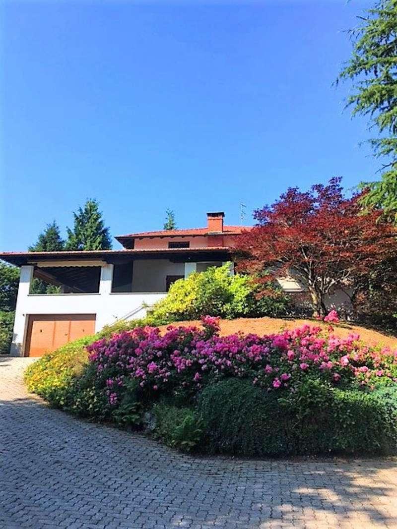 Villa in vendita a Cunardo, 11 locali, prezzo € 490.000 | CambioCasa.it