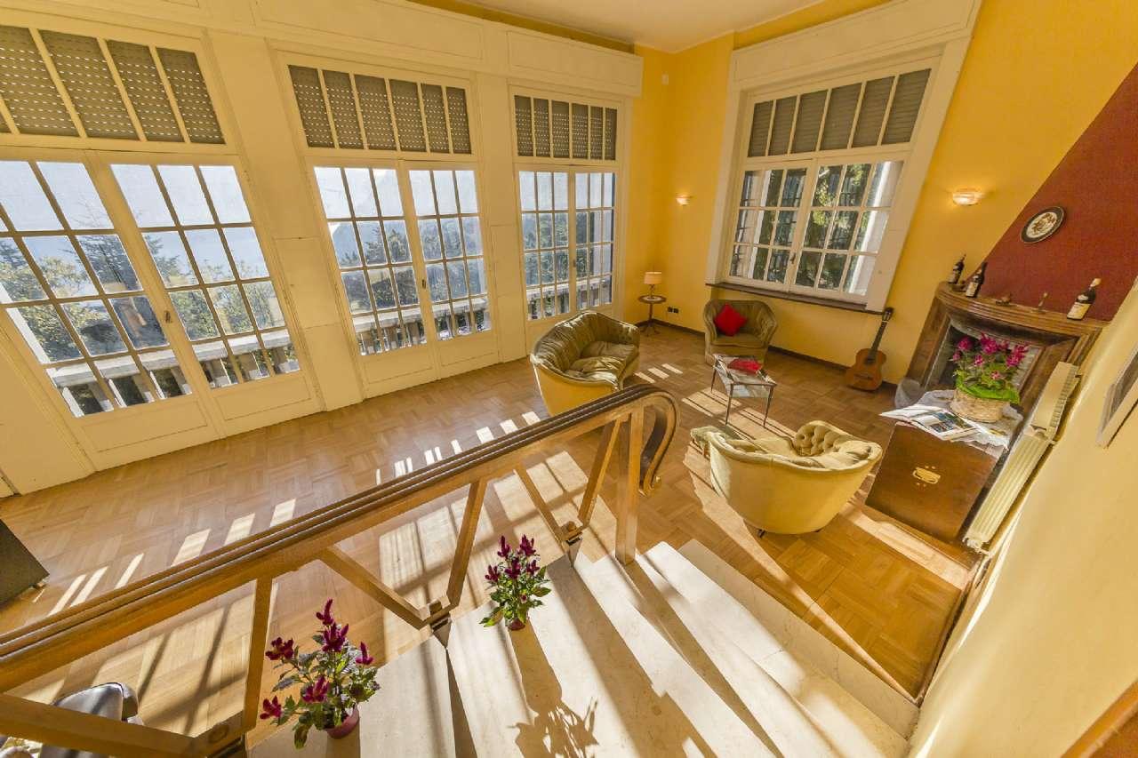 Villa in vendita a Valbrona, 10 locali, prezzo € 480.000 | CambioCasa.it