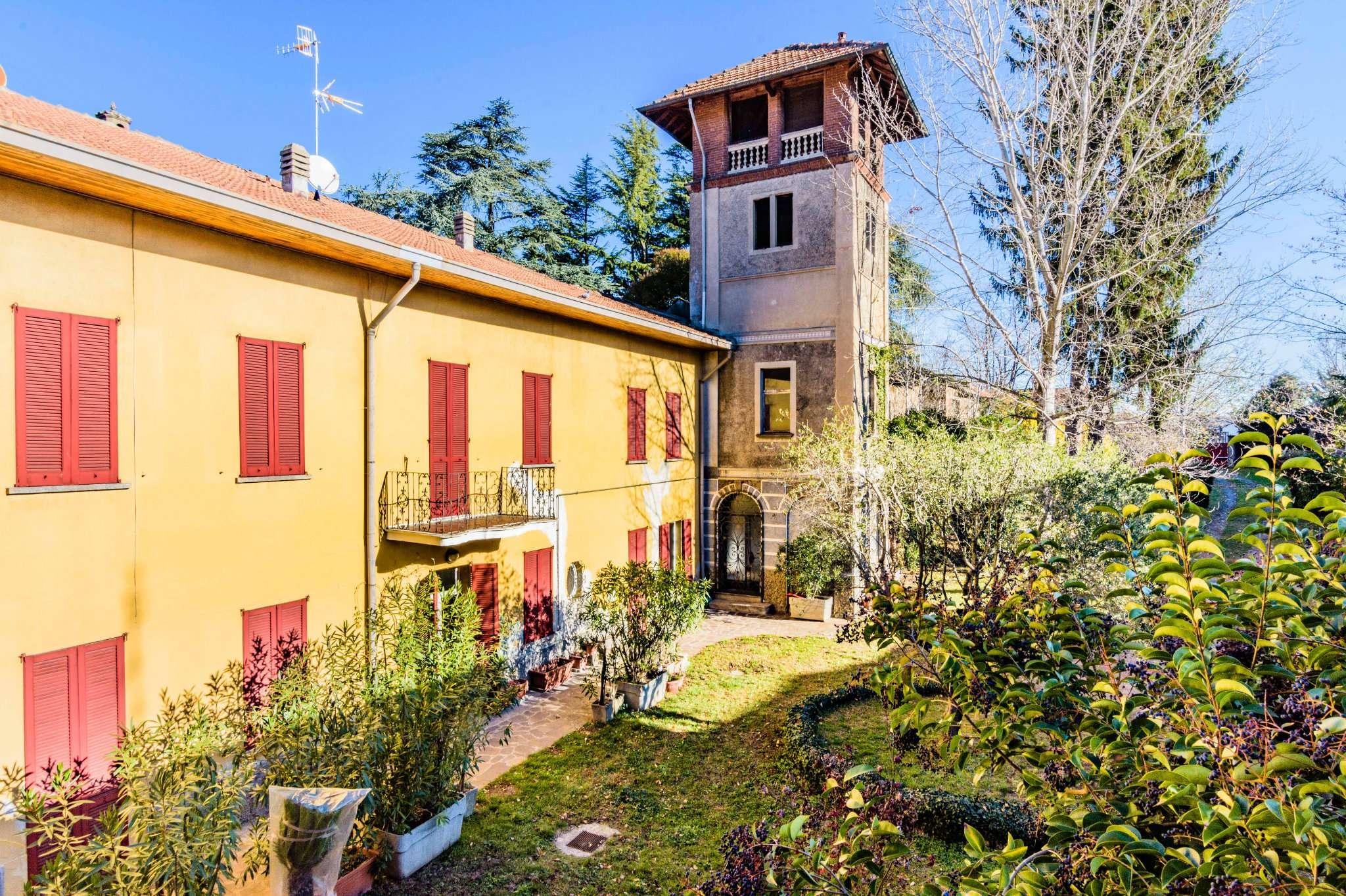 Rustico / Casale in vendita a Gorla Minore, 13 locali, Trattative riservate | CambioCasa.it