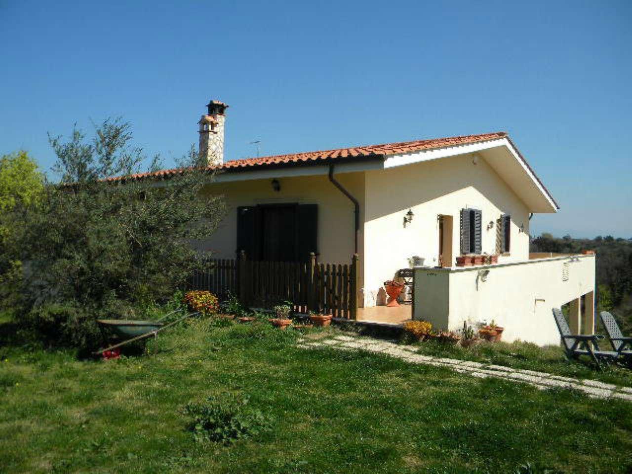 Villa in vendita a Aprilia, 4 locali, prezzo € 475.000 | Cambio Casa.it