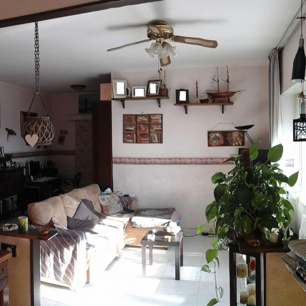 Appartamento in vendita a Pomezia, 3 locali, prezzo € 169.000 | Cambio Casa.it