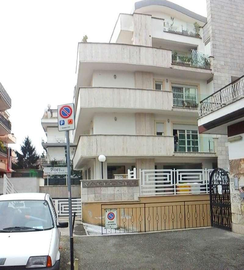 Appartamento in affitto a Pomezia, 2 locali, prezzo € 600 | Cambio Casa.it
