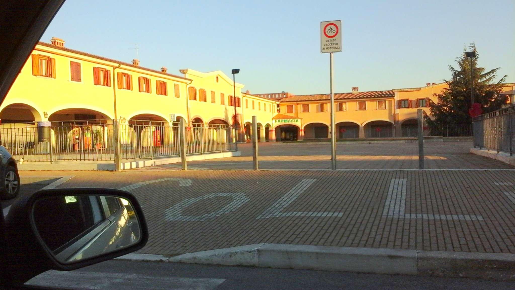 Appartamento in affitto a Pomezia, 3 locali, prezzo € 650   Cambio Casa.it