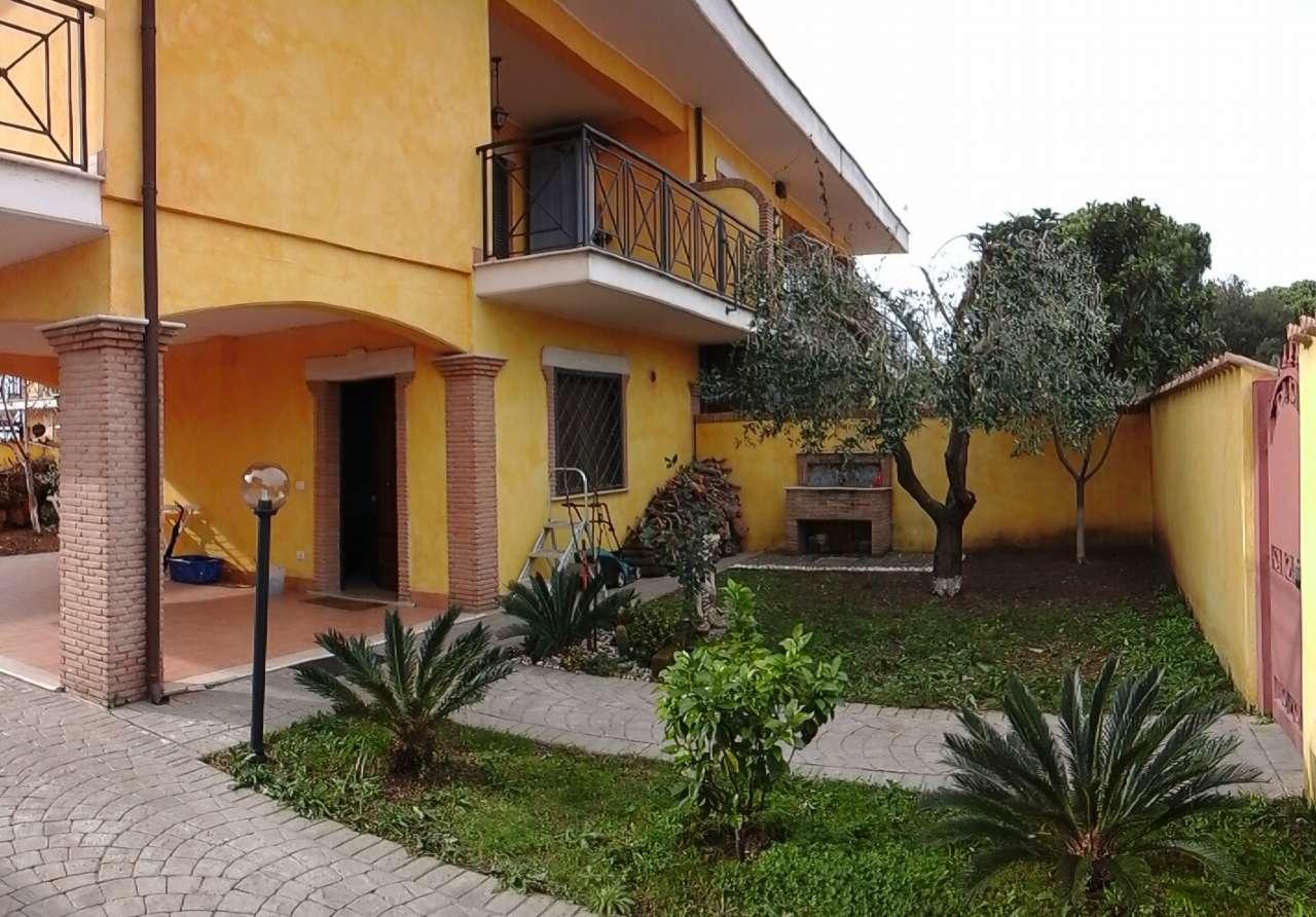 Villa in vendita a Pomezia, 3 locali, prezzo € 225.000 | Cambio Casa.it