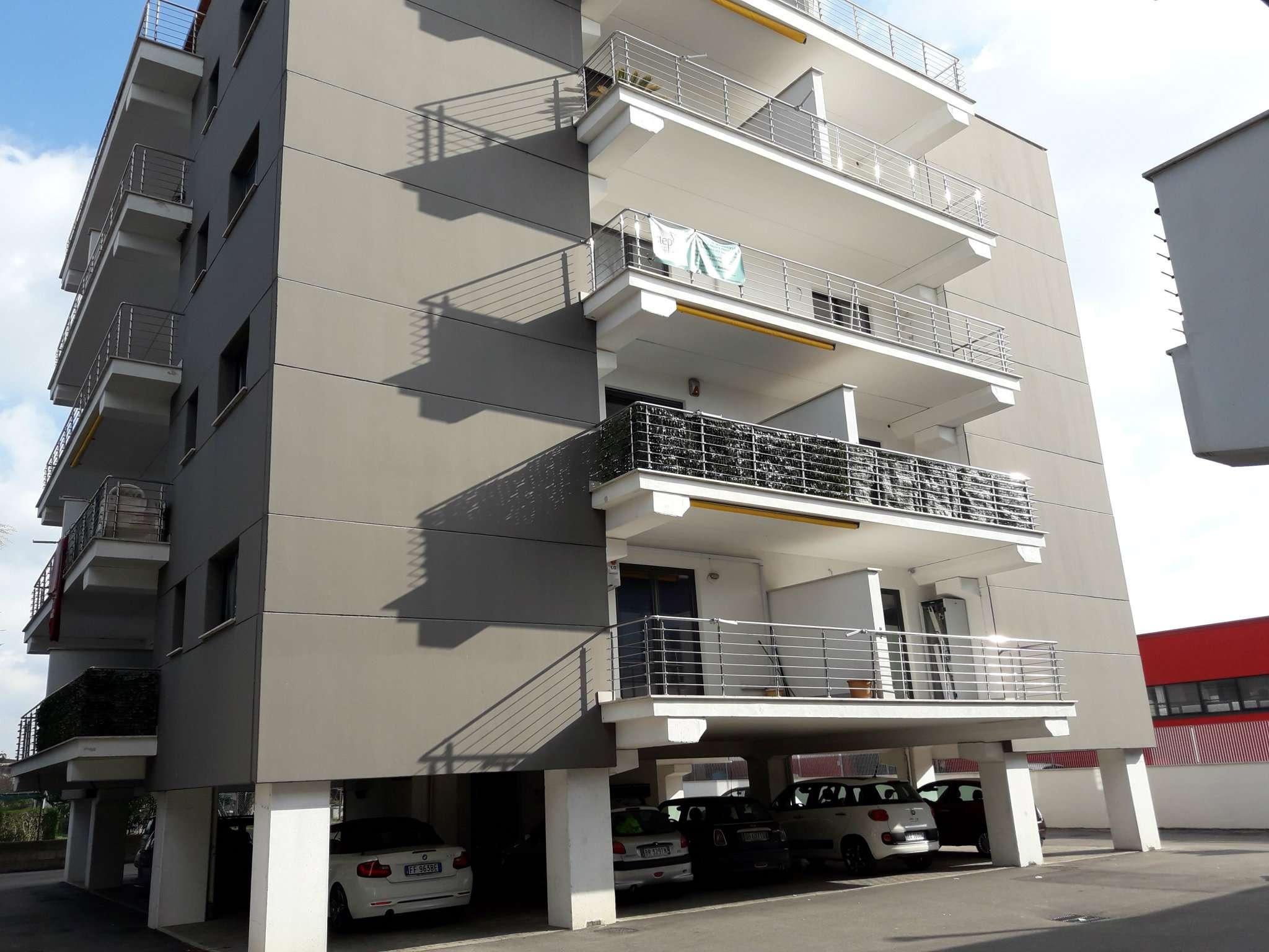 Appartamento in affitto a Pomezia, 1 locali, prezzo € 400 | Cambio Casa.it