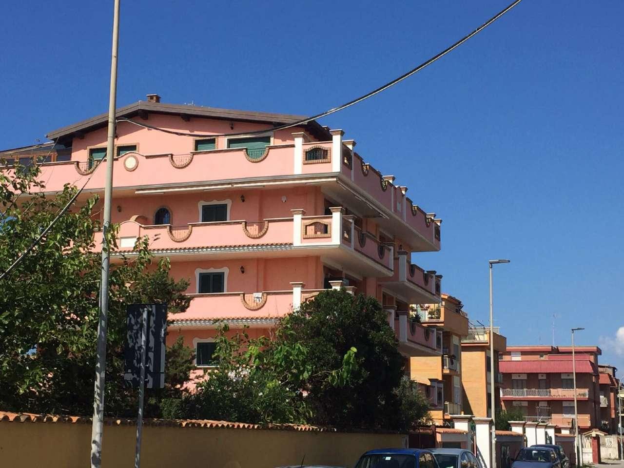 Appartamento in vendita a Pomezia, 3 locali, prezzo € 139.000 | Cambio Casa.it