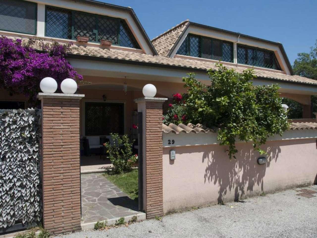 Villa in vendita a Pomezia, 3 locali, prezzo € 126.000 | CambioCasa.it