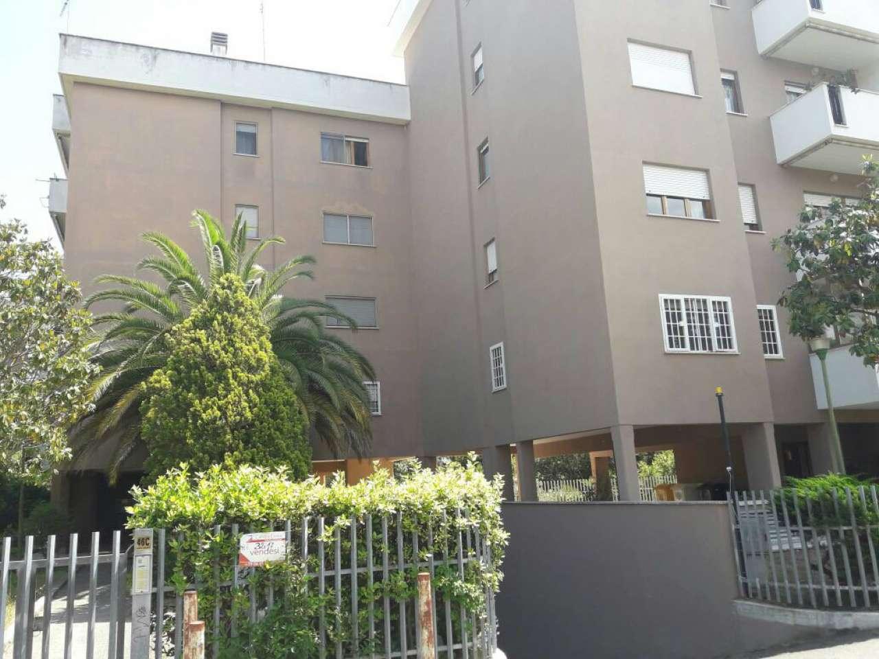 Appartamento in vendita a Pomezia, 3 locali, prezzo € 200.000 | Cambio Casa.it