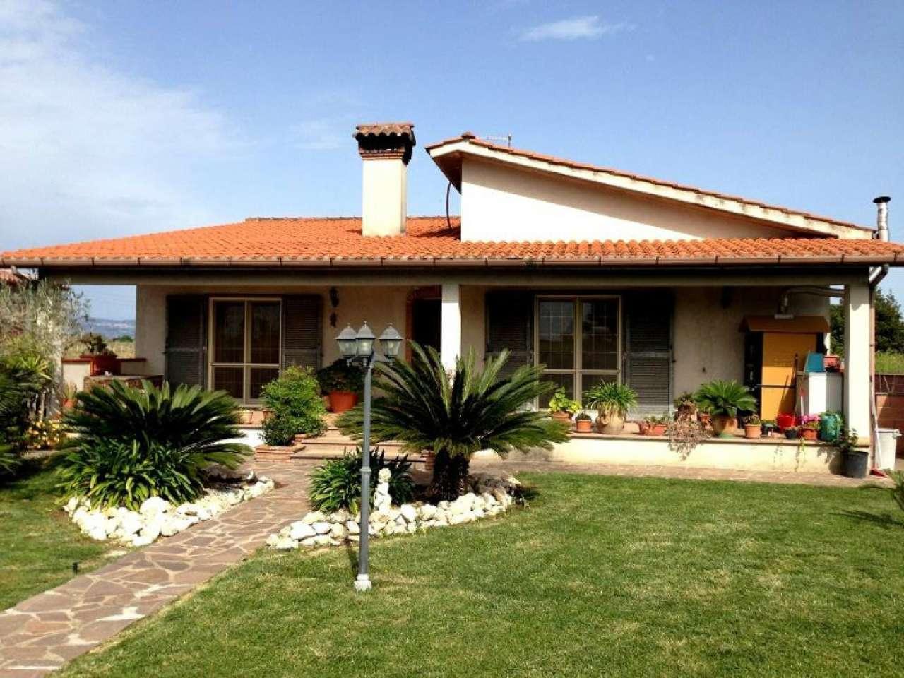 Villa in vendita a Pomezia, 5 locali, prezzo € 270.000 | CambioCasa.it