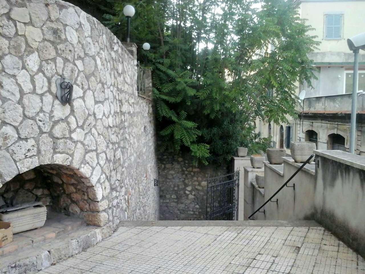 Negozio / Locale in vendita a Palombara Sabina, 9999 locali, Trattative riservate | CambioCasa.it