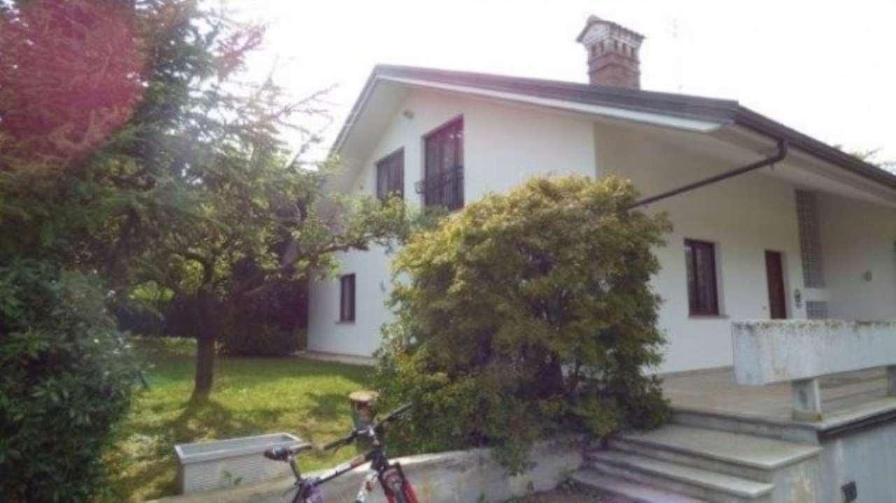 Villa in vendita a Cuneo, 10 locali, prezzo € 490.000 | Cambio Casa.it