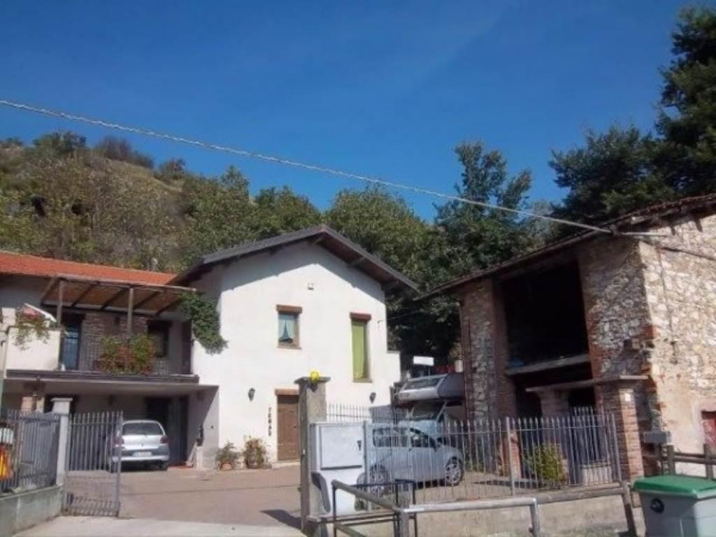 Villa in vendita a Caraglio, 6 locali, prezzo € 240.000   Cambio Casa.it