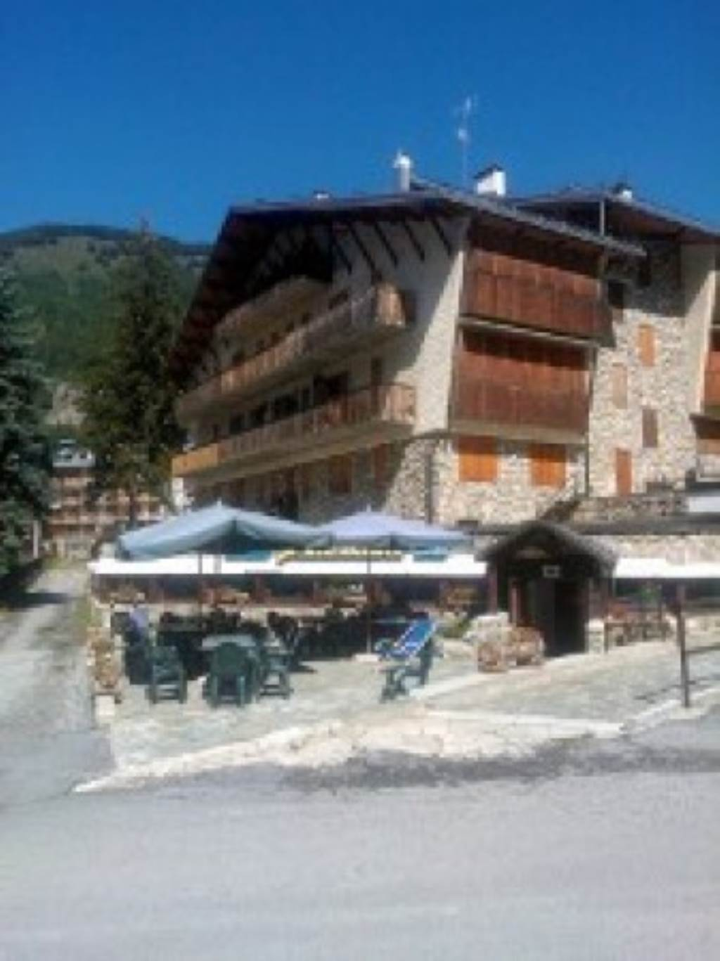 Albergo in vendita a Limone Piemonte, 6 locali, Trattative riservate | Cambio Casa.it