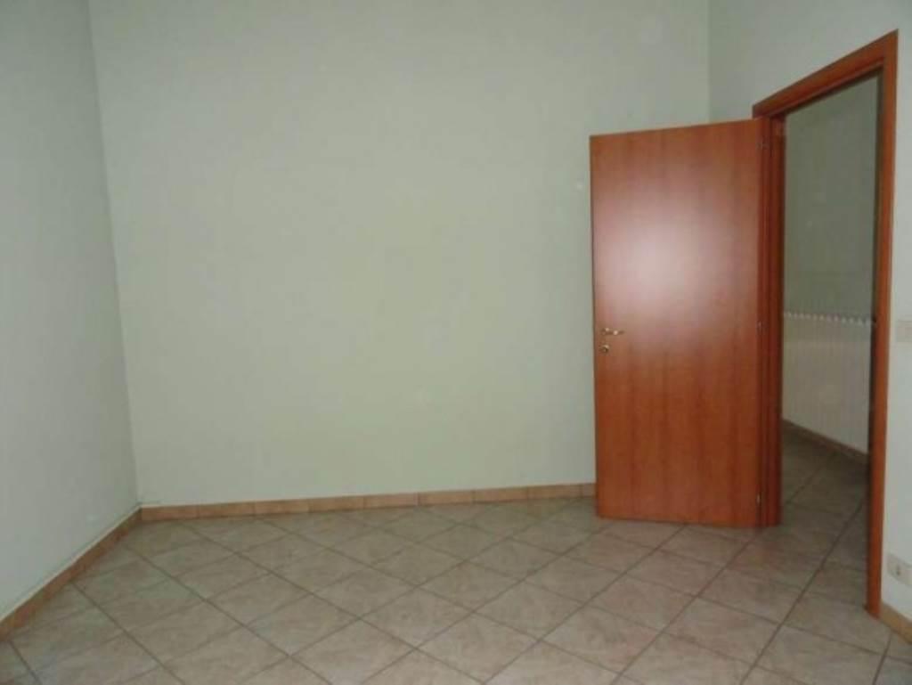 Negozio / Locale in affitto a Piasco, 2 locali, Trattative riservate | Cambio Casa.it