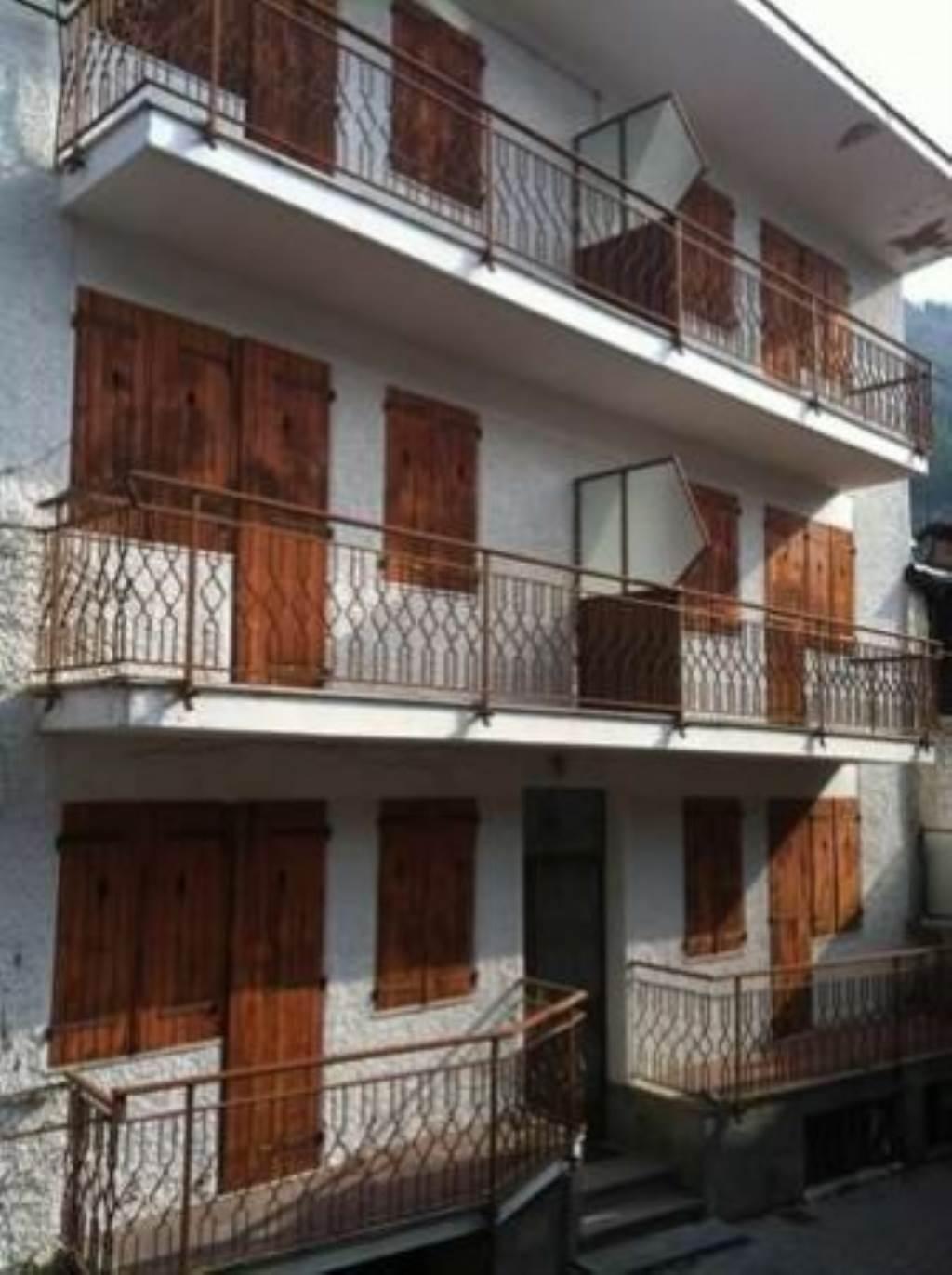 Palazzo / Stabile in vendita a Entracque, 6 locali, prezzo € 360.000 | Cambio Casa.it