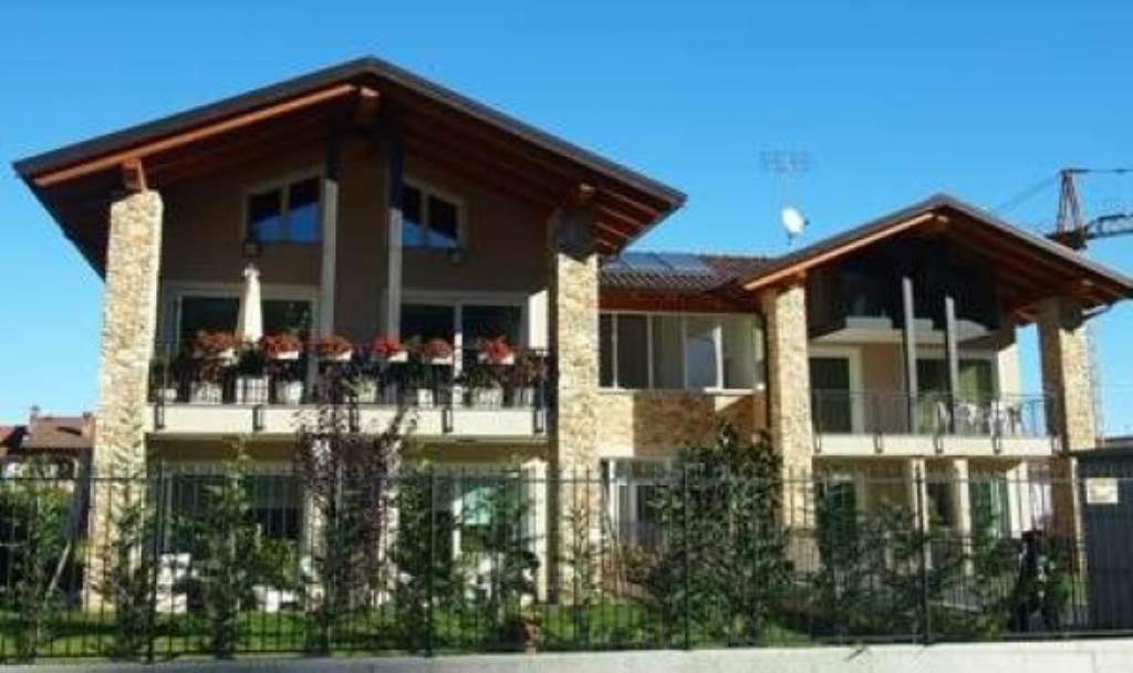 Villa in vendita a Borgo San Dalmazzo, 5 locali, prezzo € 280.000 | Cambio Casa.it