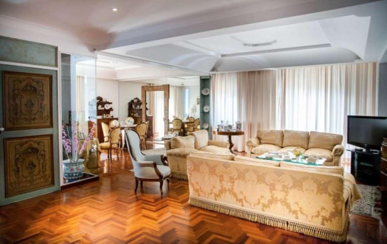 Appartamento in vendita a Castellammare di Stabia, 6 locali, Trattative riservate | Cambio Casa.it
