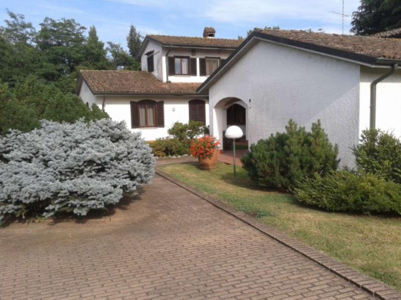 Villa in vendita a Pavia, 6 locali, Trattative riservate | Cambio Casa.it