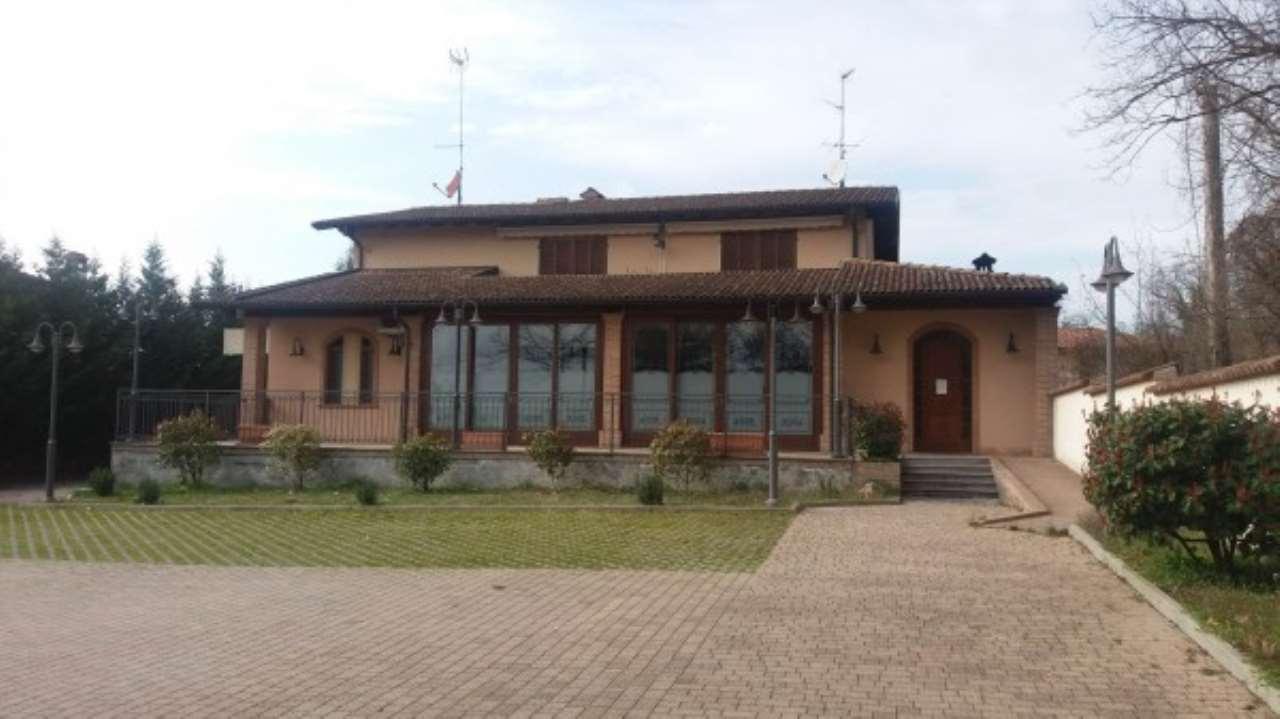 Villa in Vendita a Miradolo Terme