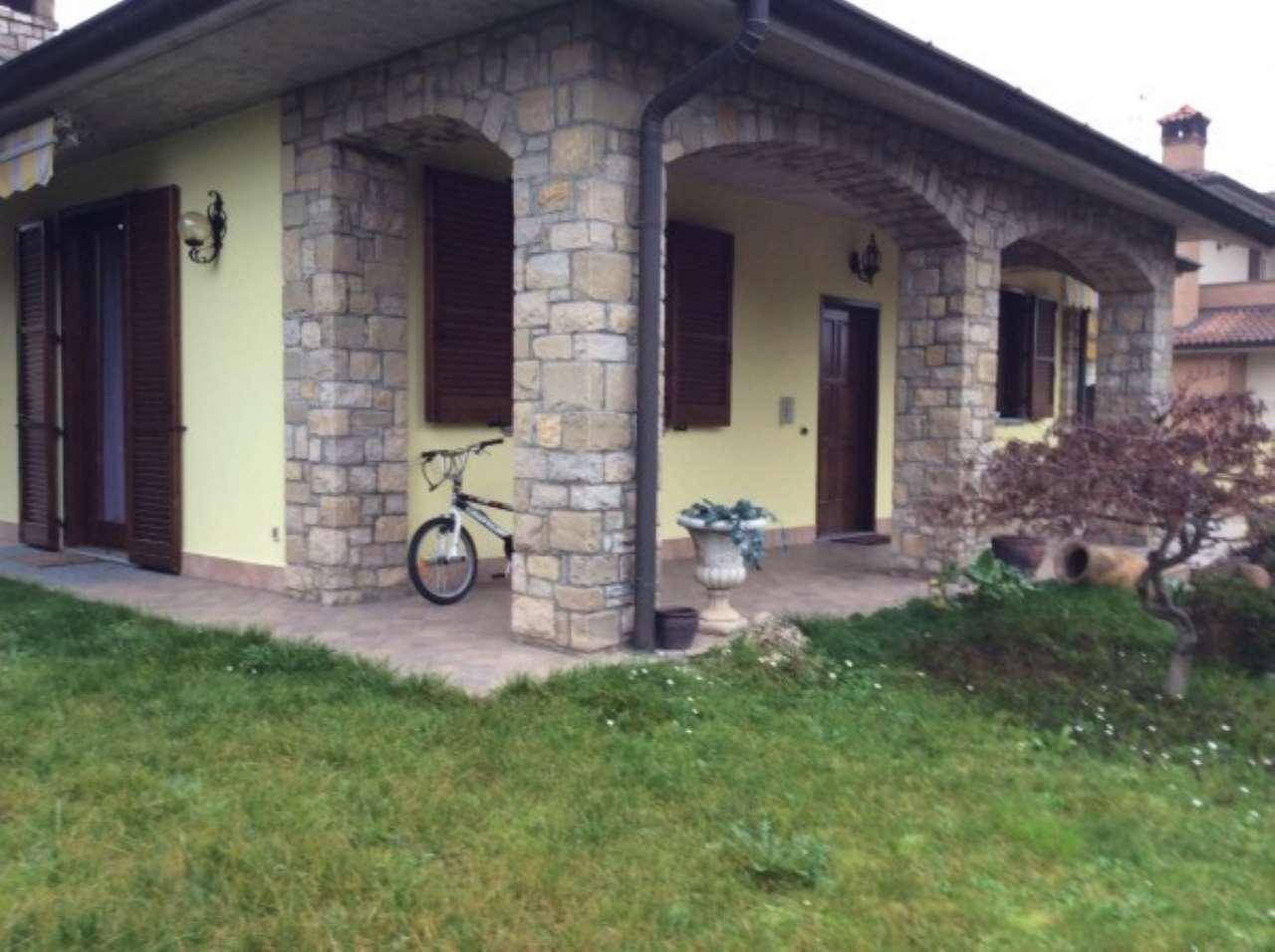 Villa in vendita a Salerano sul Lambro, 6 locali, prezzo € 388.000 | Cambio Casa.it