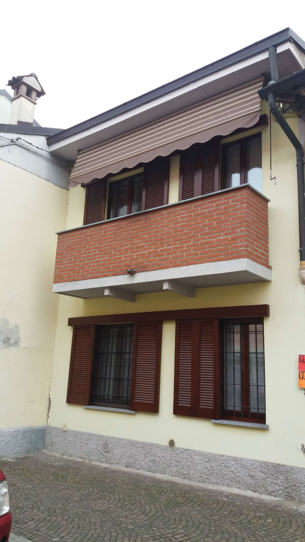 Soluzione Indipendente in vendita a San Colombano al Lambro, 2 locali, prezzo € 85.000 | Cambio Casa.it