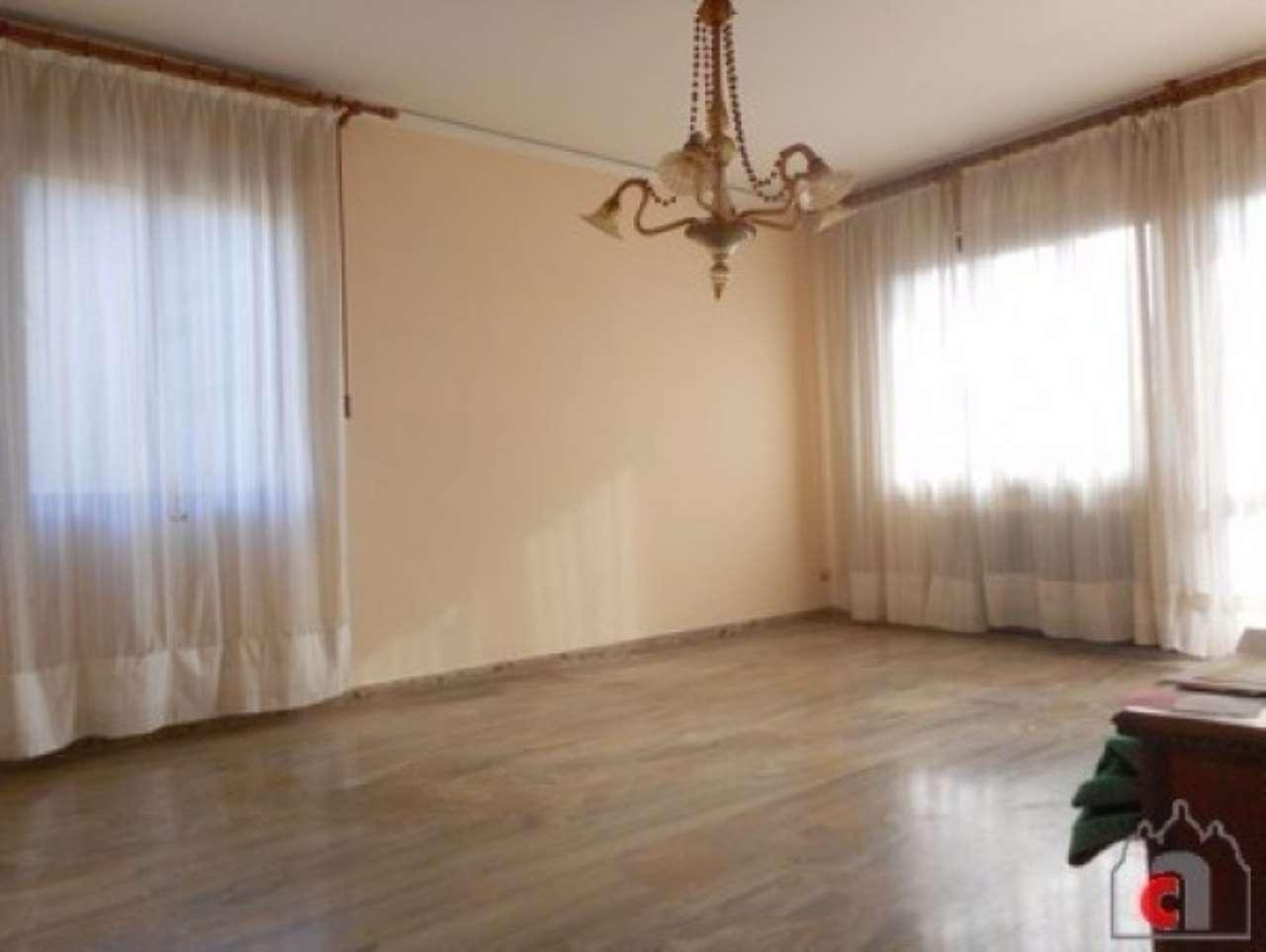 Appartamento in vendita a Padova, 5 locali, zona Zona: 6 . Ovest (Brentella-Valsugana), prezzo € 98.000 | Cambio Casa.it
