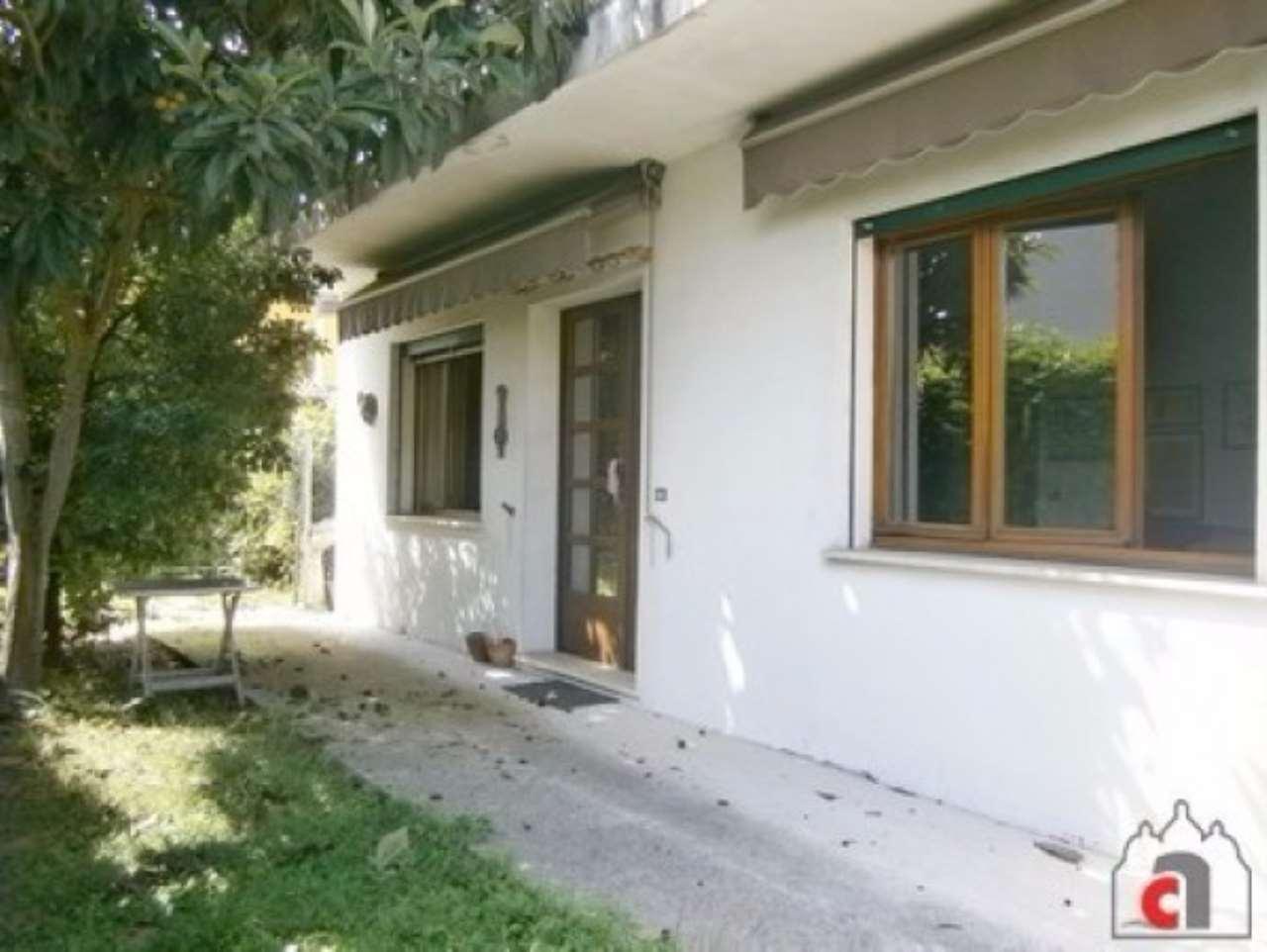 Villa in vendita a Albignasego, 5 locali, prezzo € 240.000 | Cambio Casa.it