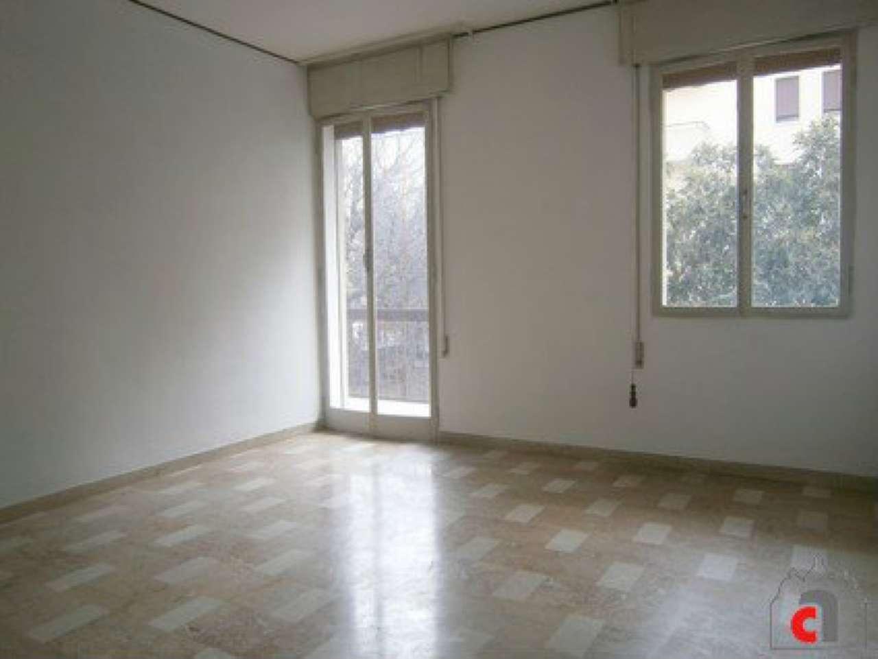Appartamento in vendita a Padova, 4 locali, zona Zona: 5 . Sud-Ovest (Armistizio-Savonarola), prezzo € 80.000 | Cambio Casa.it