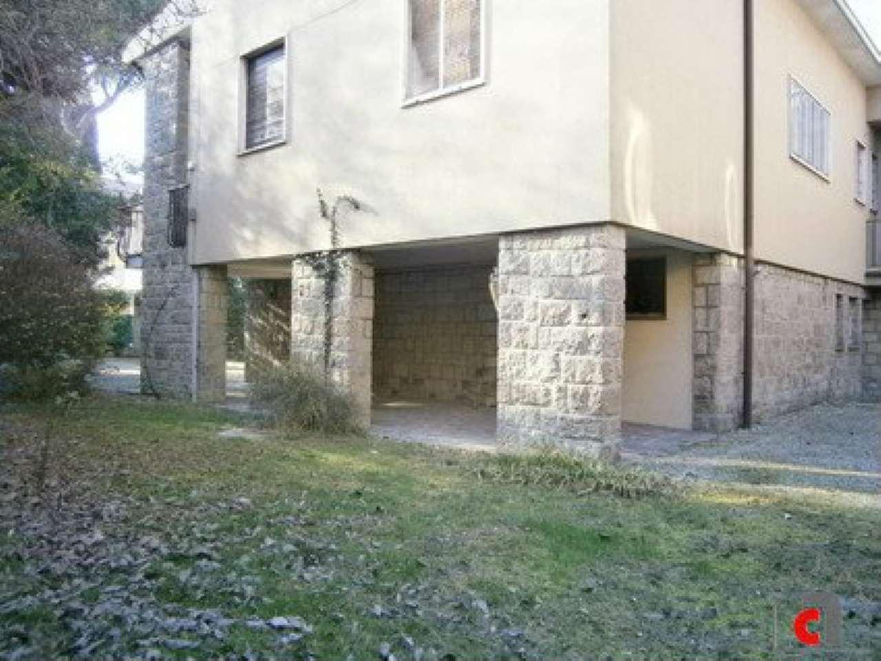Soluzione Indipendente in vendita a Padova, 10 locali, zona Zona: 1 . Centro, prezzo € 950.000   Cambio Casa.it