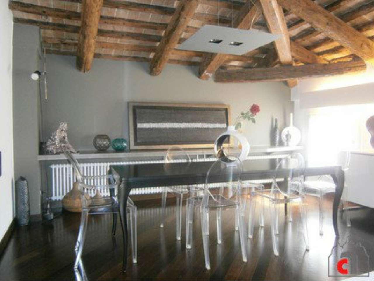 Appartamento in vendita a Padova, 5 locali, zona Zona: 1 . Centro, prezzo € 620.000 | CambioCasa.it