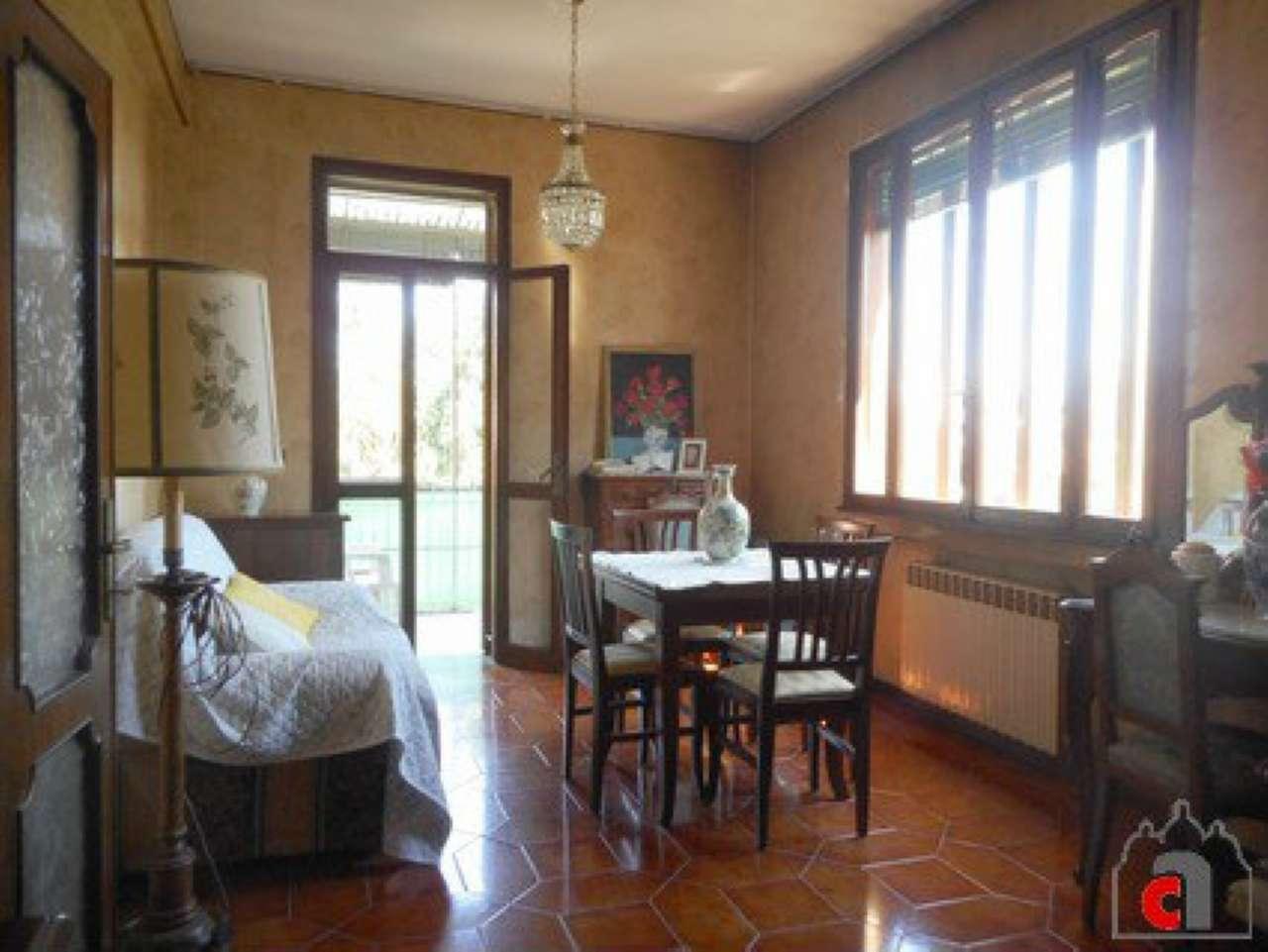 Appartamento in vendita a Padova, 5 locali, zona Zona: 4 . Sud-Est (S.Croce-S. Osvaldo, Bassanello-Voltabarozzo), prezzo € 120.000 | CambioCasa.it