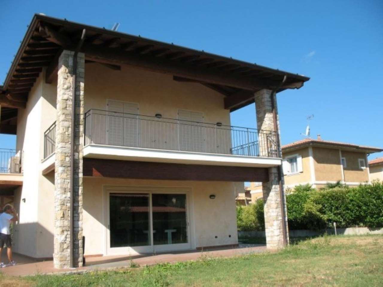 Villa in vendita a Manerba del Garda, 6 locali, Trattative riservate | Cambio Casa.it