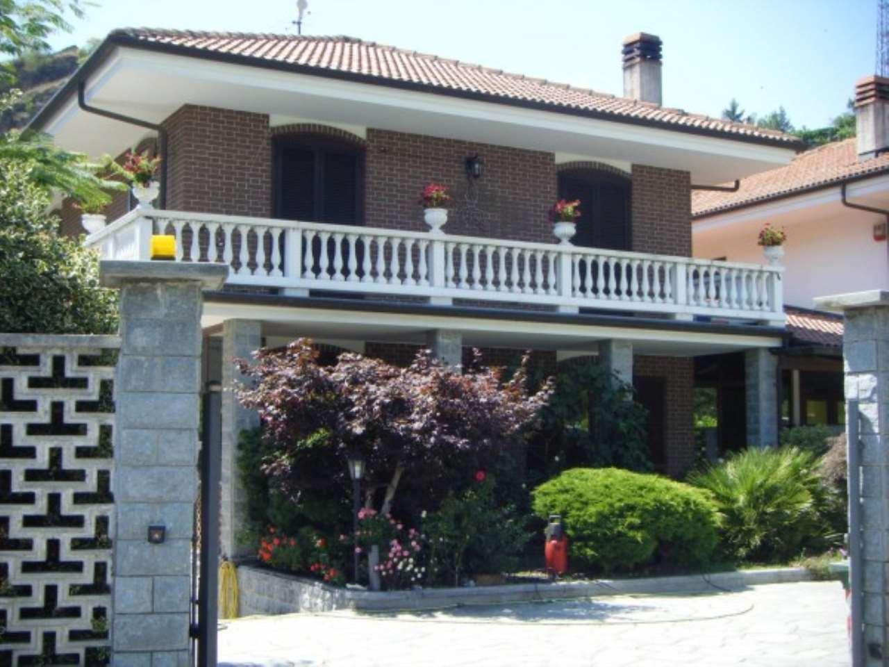 Villa in vendita a Susa, 4 locali, Trattative riservate | Cambio Casa.it