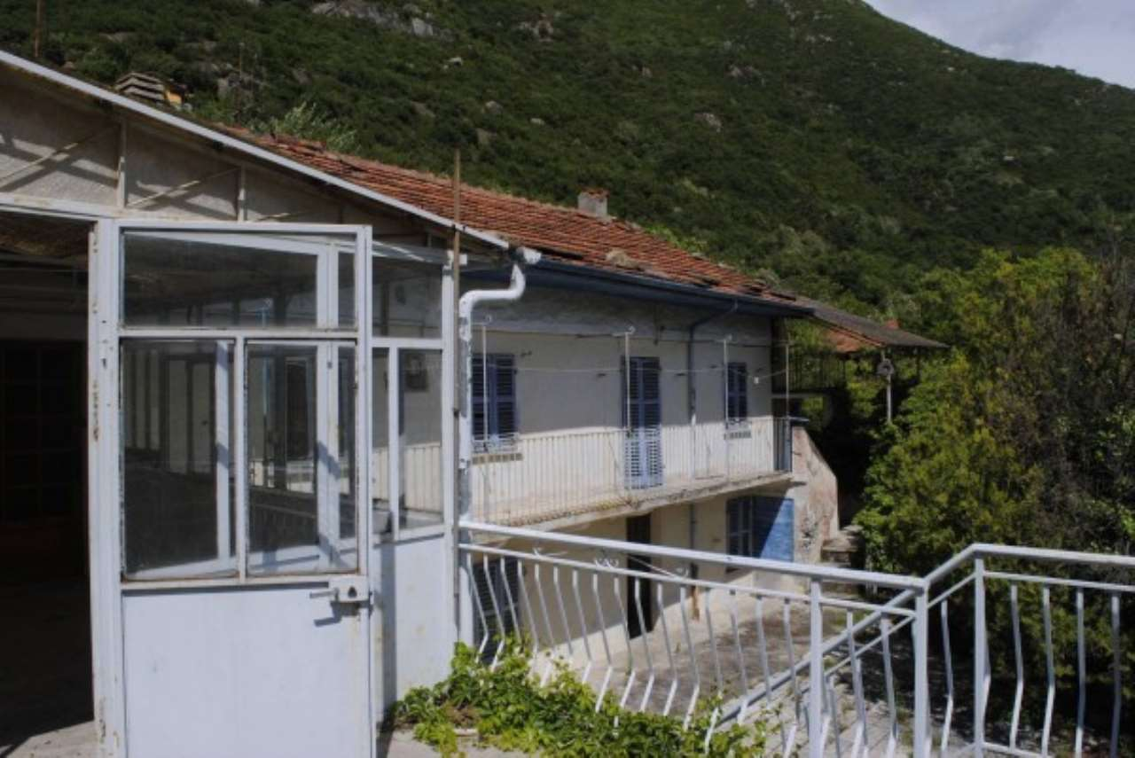 Rustico / Casale in Vendita a Borgone Susa