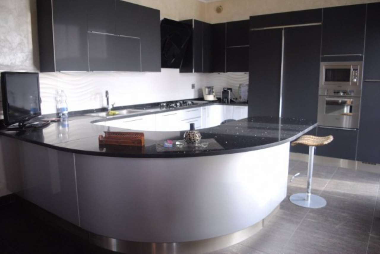 Villa in vendita a Rivoli, 6 locali, prezzo € 398.000   Cambio Casa.it