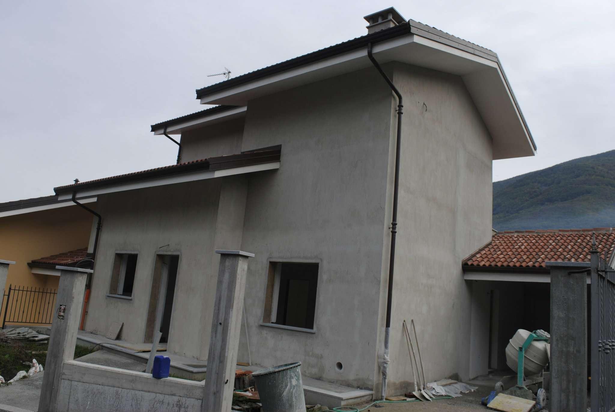 Villa in Vendita a Villar Focchiardo