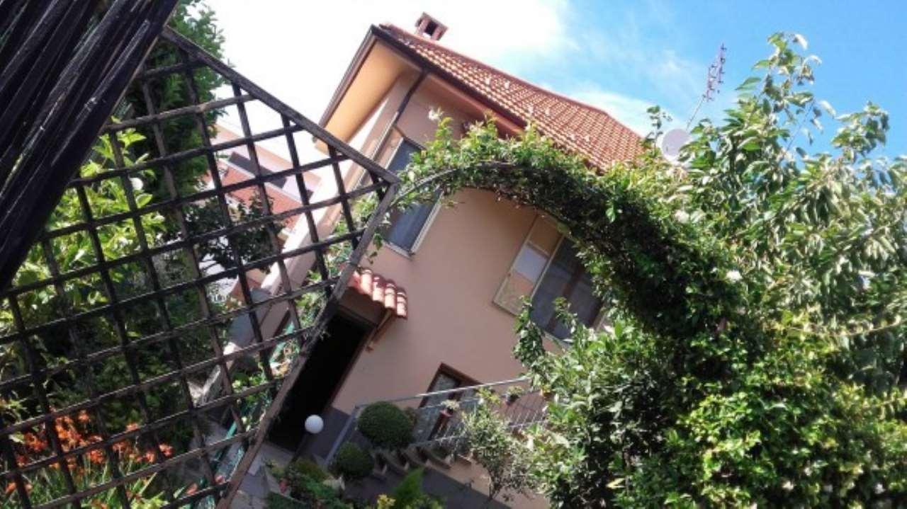 Villa in vendita a Rosta, 6 locali, prezzo € 279.000 | CambioCasa.it