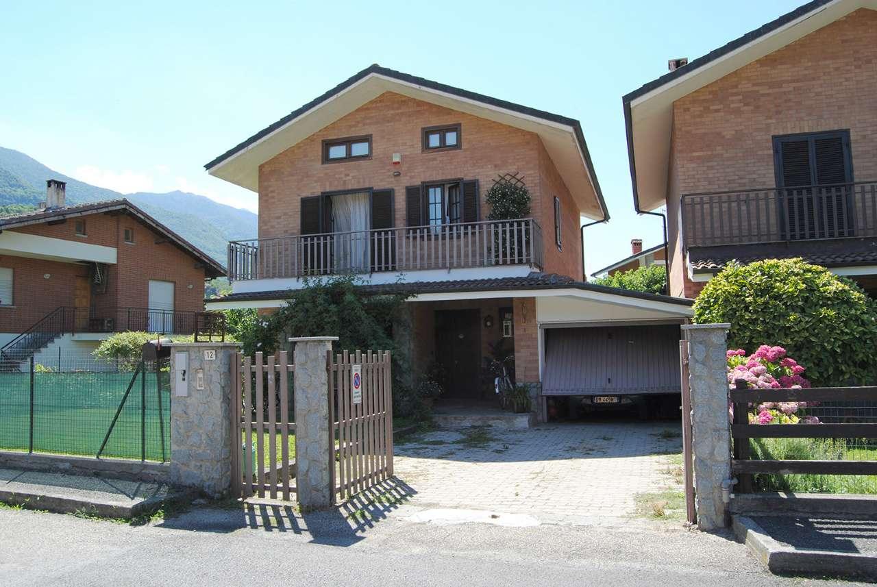 Villa in Vendita a Vaie