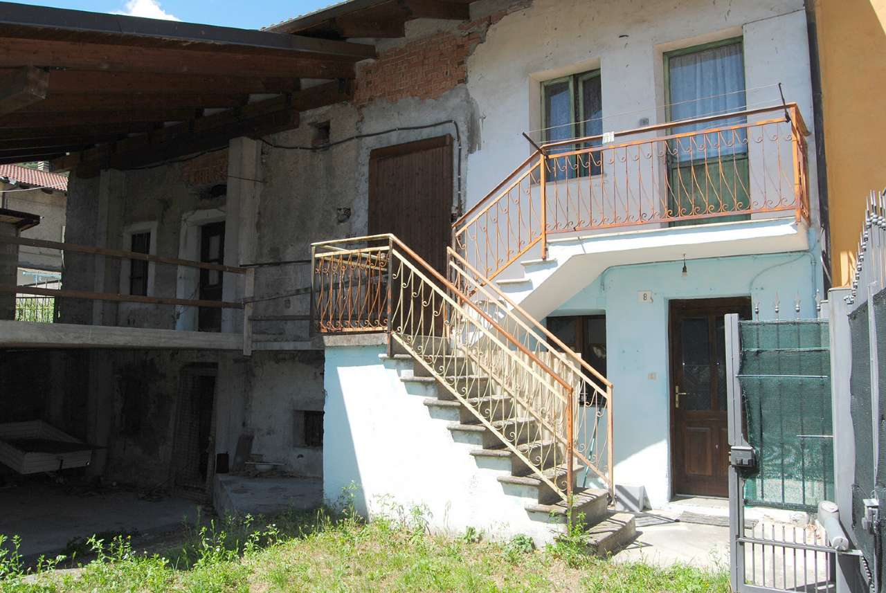 Foto 1 di Rustico via Fratelli Rumiano, Villar Focchiardo