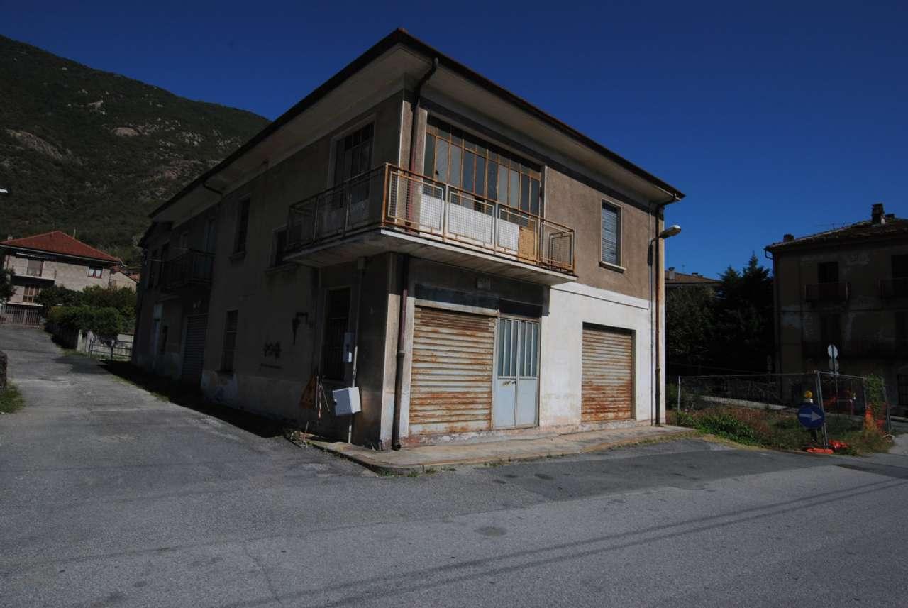Soluzione Indipendente in vendita a Borgone Susa, 10 locali, prezzo € 55.000 | CambioCasa.it