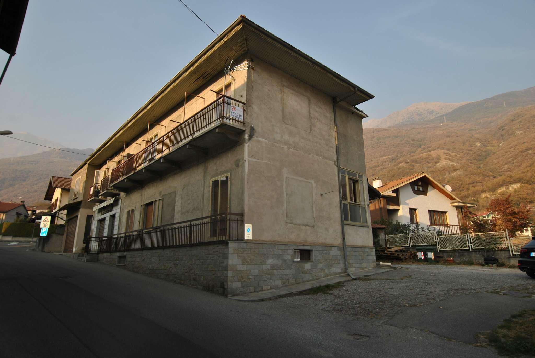 Palazzo / Stabile in vendita a Bruzolo, 11 locali, prezzo € 160.000 | CambioCasa.it