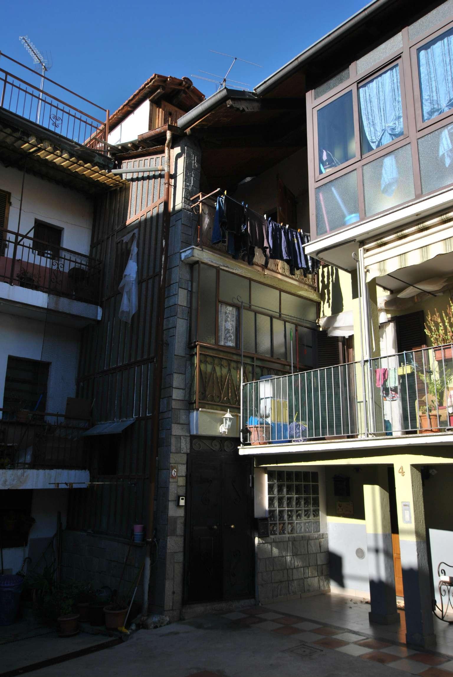 Palazzo / Stabile in Vendita a Caprie